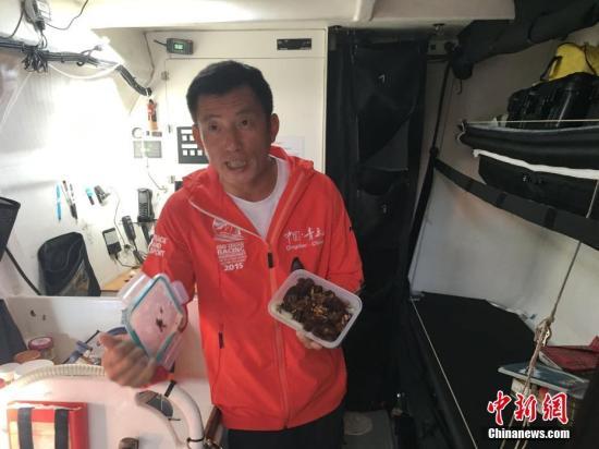 当地时间2016年10月17日,中国航海家郭川在美国旧金山东北的里士满游艇码头与媒体见面。 <a target='_blank' href='http://www.chinanews.com/'>中新社</a>记者 刘丹 摄