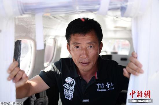 郭川说,他航海就像博尔特跑百米每一步都力求精确一样,任何细节都不能忽视,因为他有时要在游走在生命攸关的极限边缘,容不得任何闪失。
