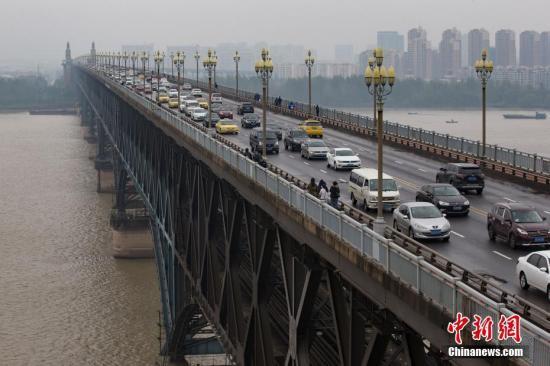 中国公安部:截至2017年底全国机动车保有量达3.10亿辆