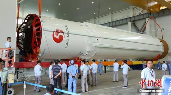 资料图:长征五号运载火箭。何超 摄