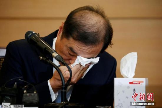 获得新任总理提名的金秉准于当地时间11月3日下午2时在首尔召开记者见面会,宣布接受出任国务总理的提议。