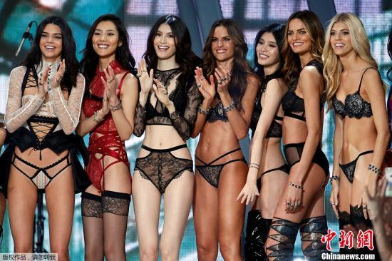 2016年11月30日,2016维多利亚的秘密年度大秀在法国巴黎大皇宫举行,这是诞生于1995年的维秘大秀第三次离开美洲大陆(第一次2000年的法国戛纳、第二次是2014年的英国伦敦)。中国四超模同台比美。