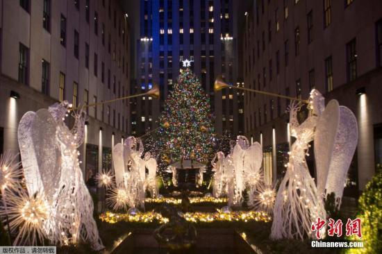 本地时刻2016年11月30日,美国纽约,洛克菲勒核心行了一年一度的圣诞树亮灯典礼。