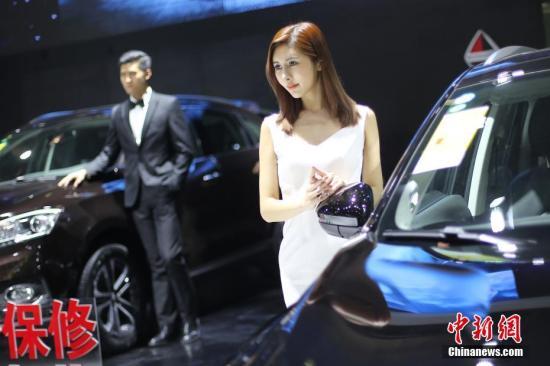 资料图:2016年,12月2日,江苏南京国际车展。<a target='_blank' href='http://www.chinanews.com/'>中新社</a>记者 泱波 摄
