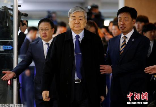 """12月6日,在韩国首尔,多位韩国大企业掌门人一起出席国会有关总统朴槿惠""""闺蜜门""""调查的听证会。"""