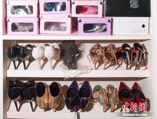 资料图片:高跟鞋。