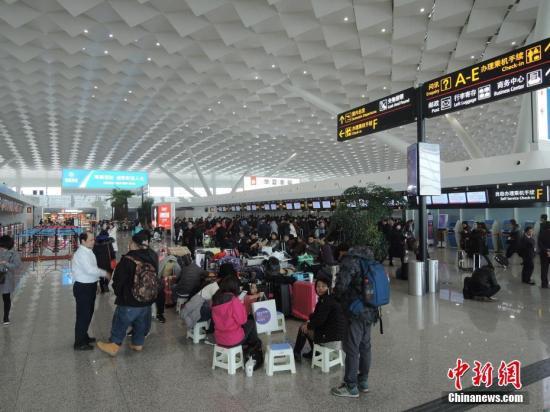 郑州机场。韩章云 摄