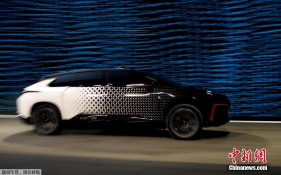 资料图:今年初,乐视首款量产电动车发布。