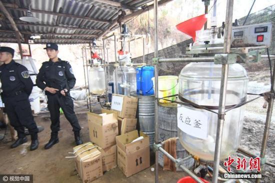 资料图:警方破获广西近年来最大宗生产制毒物品案。 图片来源:视觉中国