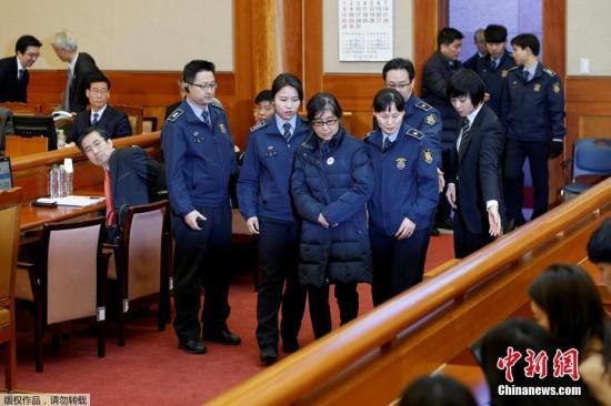 资料图:韩总统弹劾案第5次辩论,崔顺实现身作证。