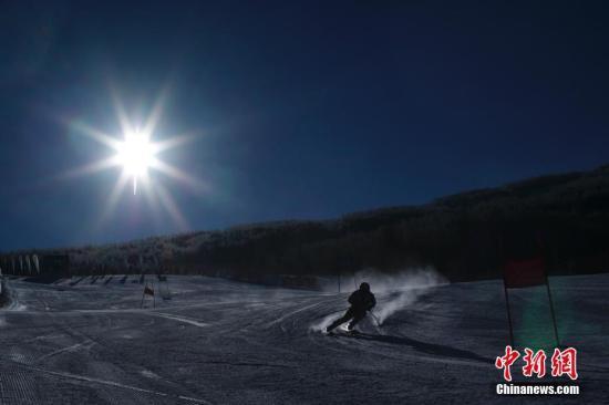 资料图:河北崇礼万龙滑雪场。 <a target='_blank' href='http://www.chinanews.com/'>中新社</a>记者 盛佳鹏 摄