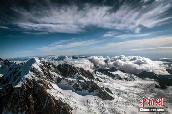 """资料图片:新西兰库克雪山,被誉为""""南半球的阿尔卑斯山""""。<a target='_blank' href='http://www-chinanews-com.johnchem.com/'>中新社</a>发 张钟明 摄"""