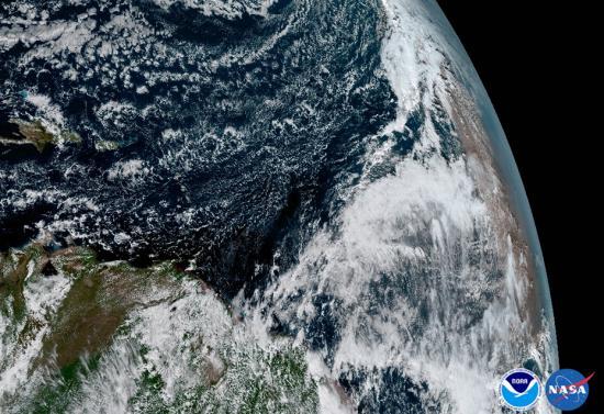 美气象卫星传回高清版的地球照片。 图片来源:NOAA官网