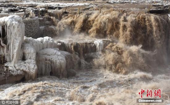 资料图:黄河壶口瀑布 吕桂明 摄 图片来源:视觉中国