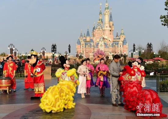 图为上海迪士尼度假区。图文无关 <a target='_blank' href='http://www.chinanews.com/'>中新社</a>发 申海 摄