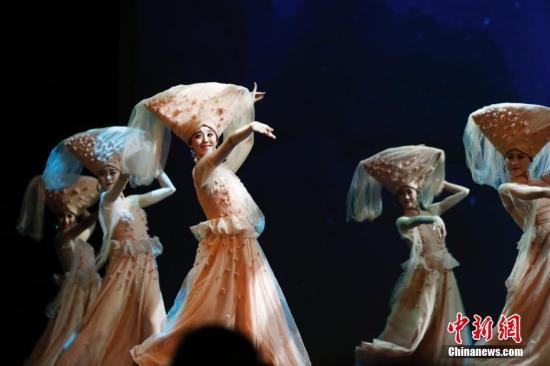 """""""文化中国·四海同春""""在堪萨斯城举行北美慰侨首场演出"""