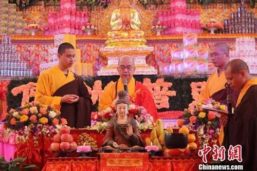 学诚大和尚:出家僧尼要传承佛教优良传统