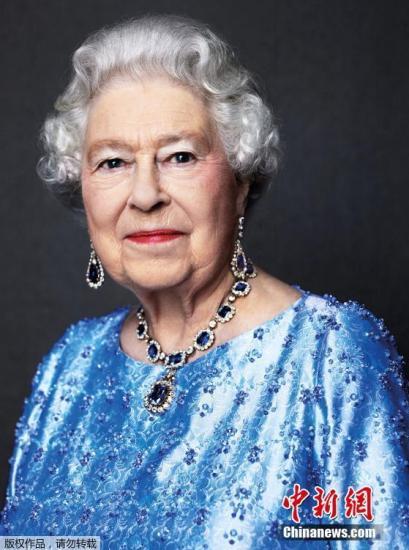 资料图:英国女王办公室发布的女王肖像照。