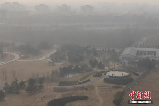 """两会前瞻:宣战""""心肺之患"""" 中国治霾持久战怎么打?"""