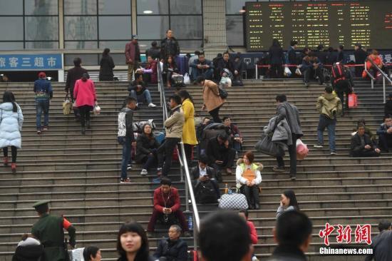 中国城村外出务工劳动力总量达1.74亿人