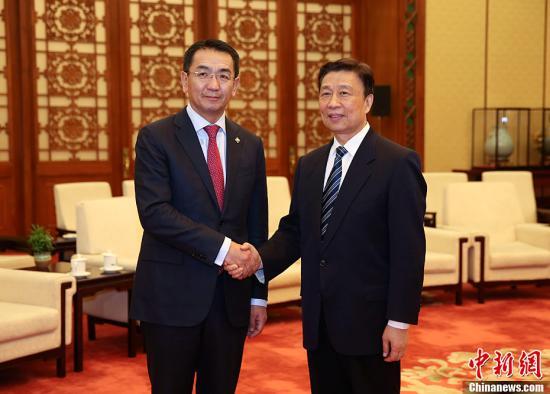 李源潮会见蒙古国外长蒙赫奥尔吉勒