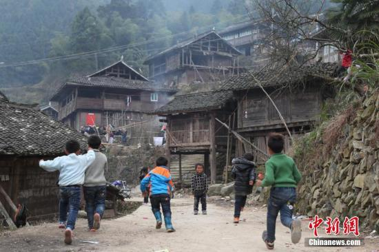 资料图 贵州省榕江县高岜苗寨小学。 记者 贺俊怡 摄