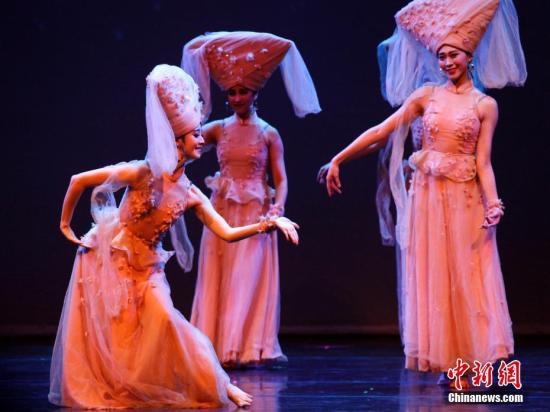 图为剧中的壮族舞蹈《水色》。<a target='_blank' href='http://www.chinanews.com/'>中新社</a>记者 余瑞冬 摄