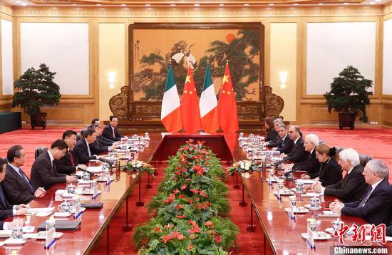 2月22日,中国国家主席习近平在人民大会堂同意大利总统马塔雷拉举行会谈。<a target='_blank' href='http://www.chinanews.com/'>中新社</a>记者 杜洋 摄