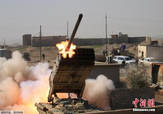 伊拉克军队和反恐部门对摩苏尔北部和东部进行突击,并已进入东部的数个街区。伊拉克警察部队则向城市南部推进。什叶派民兵负责将恐怖分子从具有战略意义的泰勒阿费尔清除,并切断摩苏尔极端分子的补给线。