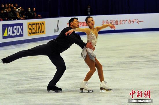 札幌亚冬会花样滑冰双人滑2月25日见分出晓,中国选手以明显高出一筹的实力和发挥,包揽这一项目的冠、亚军。<a target='_blank' href='http://www.chinanews.com/'>中新社</a>记者 王健 摄