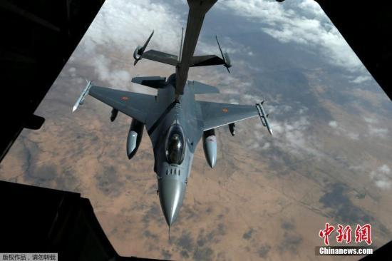 """资料图:F-16""""战隼""""。"""