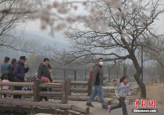 京津冀大气治理方案发布 重污染红警期间污染物须减30%