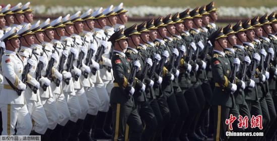 """探秘中国仪仗兵:""""最帅天团""""是怎样炼成的?"""