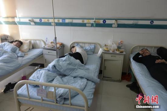 3月26日,伤者住院治疗。3月25日,内蒙古自治区包头市土右旗沟门镇北只图村向阳小区一栋居民楼发生爆炸,其中一个单元整体塌陷。