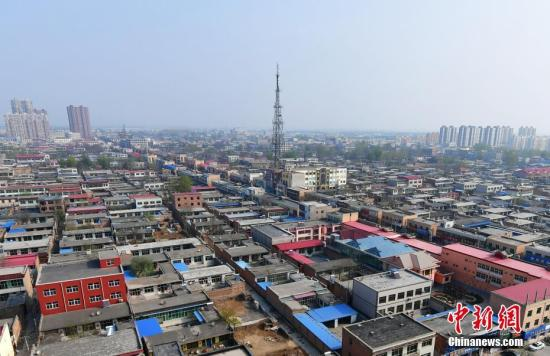 资料图:探访雄安新区,从高空俯瞰河北容城。 中新社记者 翟羽佳 摄
