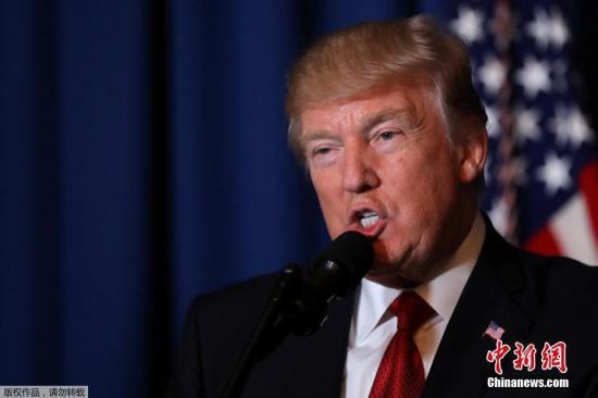 """美国总统特朗普随后就此次空袭发表讲话,称""""攸关国家安全利益""""。叙利亚国家电视台则回应称:这是美国的""""侵略攻击""""。"""