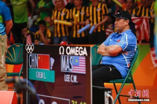 图为2016年里约奥运会上,李永波场边观赛。 <a target='_blank' href='http://www.chinanews.com/' >中新网</a>记者 杜洋 摄