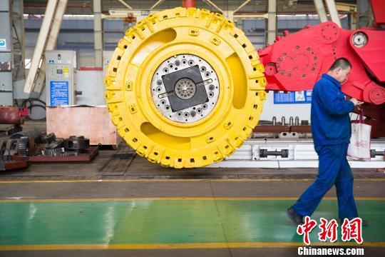 经济观察:中国工业趋稳民间投资增速下滑待解