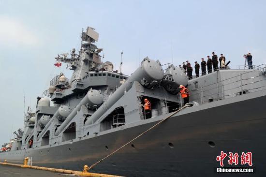 俄军瓦良格号巡洋舰新&