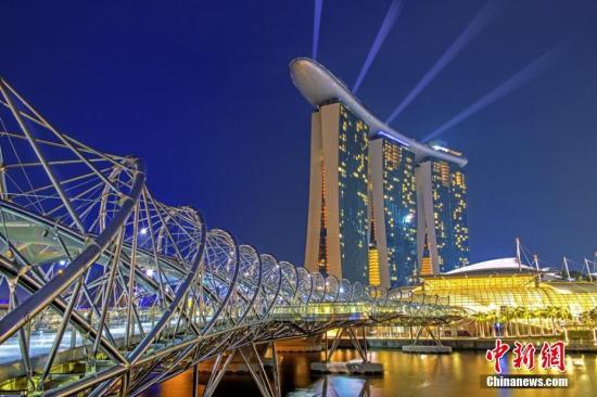 资料图:新加坡夜色。中新网记者 富宇 摄