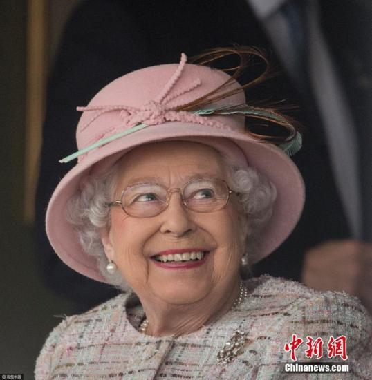 资料图片:英国女王伊丽莎白二世。