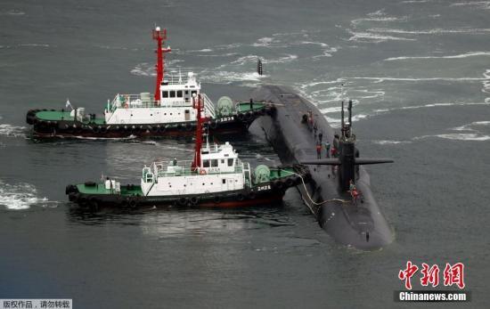 """报道称,此次,""""密歇根""""是作为""""卡尔・文森""""号航母战斗群的一员抵达朝鲜半岛。"""