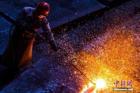 發改委:堅定不移將化解鋼鐵過剩產能各項任務落實到位