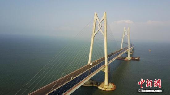 图为5月3日拍摄的港珠澳大桥雄姿(资料图)。 中新社记者 陈文 摄