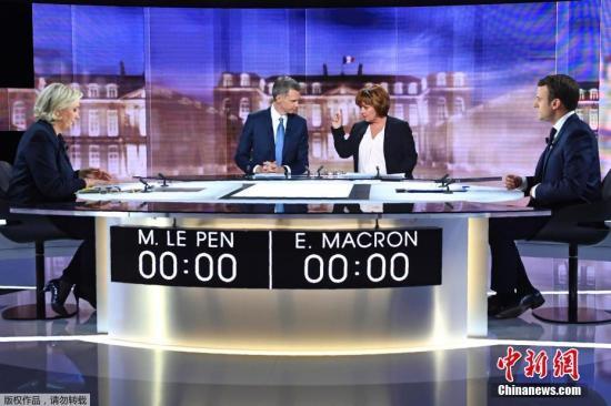 当地时间5月3日,法国大选第二轮投票在即,两位总统候选人马克龙和勒庞在拉普莱纳圣德尼开展选举前的电视辩论。