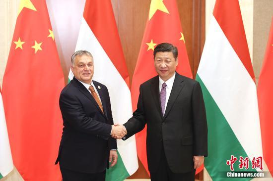5月13日,中国国家主席习近平在北京钓鱼台国宾馆会见匈牙利总理欧尔班。 中新社记者 盛佳鹏 摄