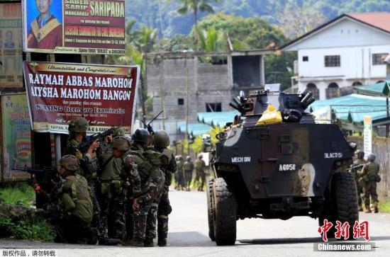 菲政府军与阿布沙耶夫武装发生冲突双方7亡33伤