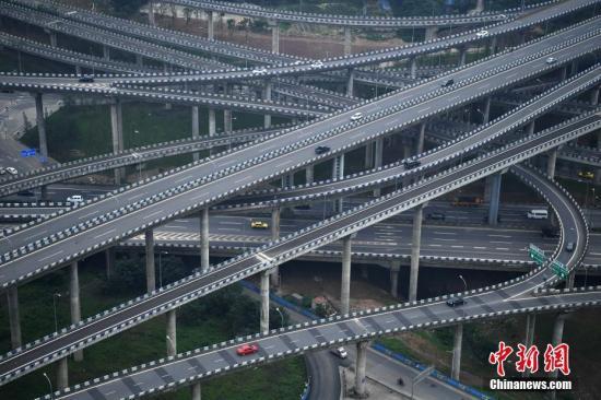"""实地探访重庆""""最复杂立交"""":其实并不容易走错路"""