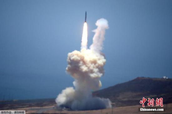 当地时间5月30日,美国军方首次进行了洲际弹道导弹拦截试验,并取得成功。