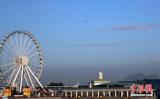 资料图:香港中环摩天轮。<a target='_blank' href='http://www-chinanews-com.rmbfans.com/'>中新社</a>记者 洪少葵 摄